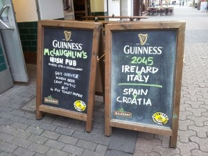 Irish humour abounds in Dusseldorf - Note left hand sign.