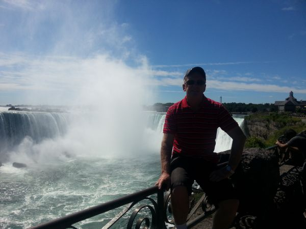 Bernie overlooking the Canadian Falls.