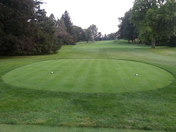Looking down the first hole at the Country Club of Rochester.  (Photo - www.golfbytourmiss.com)