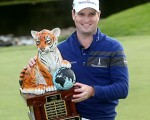 Zach Johnson ends the year with victory in the NorthWestern Mutual World Challenge.  (Photo - www.pgatour.com)