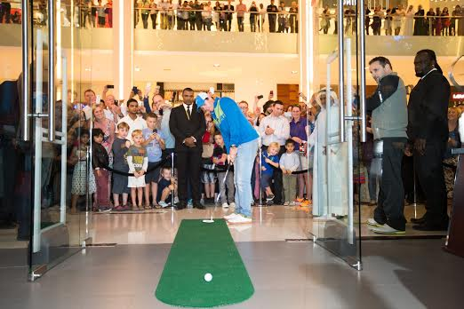 Rory McIlroy  Putts In  For New Nike Store Opening.  3f123877e9