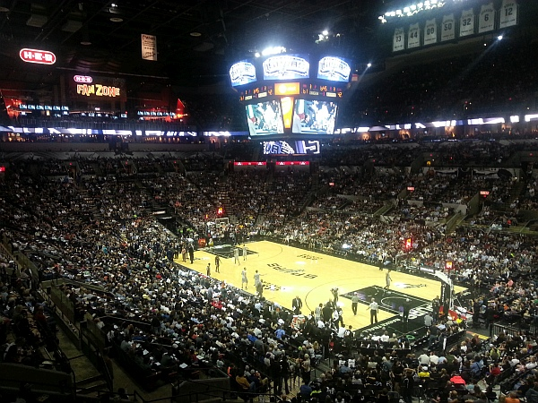 Spurs well in front 61 - 42.