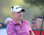 Stephen GALLACHER (SCO) tees off the 18th tee during Pink Friday's Round 2 of the 2015 Omega Dubai Desert Classic held at the Emirates Golf Club, Dubai, UAE.: Picture Eoin Clarke, www.golffile.ie: 1/30/2015