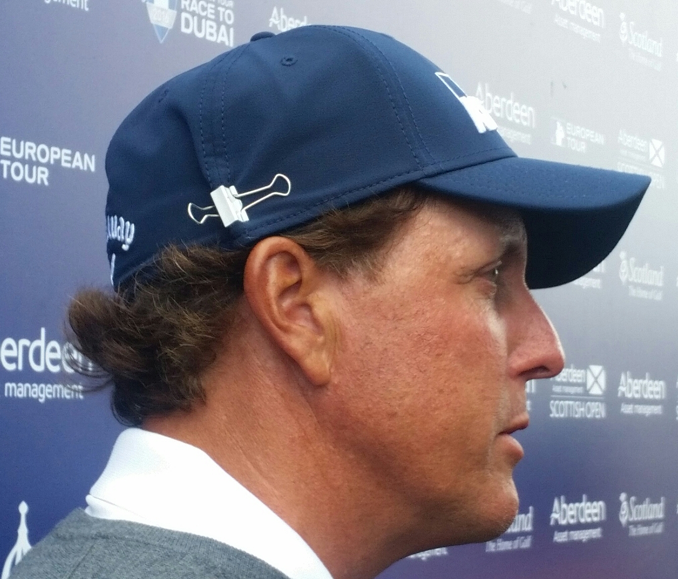 Phil Mickelson sporting the latest in fashion at this week's Aberdeen Asset Management Scottish Open. (Photo - www.golfbytourmiss.com)