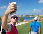 Justin Rose snaps a selfie of Tiger Woods.